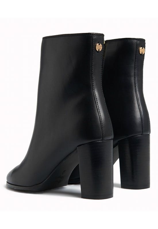 The Edit Sleek High Boots