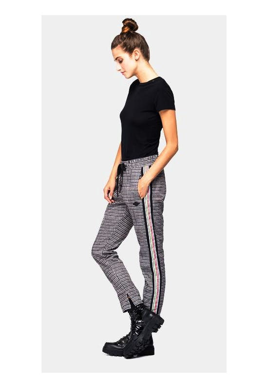 Trousers With All-Over Houndstooth Print